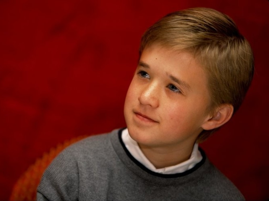 haley_joel_osment_wallpaper_3-normal